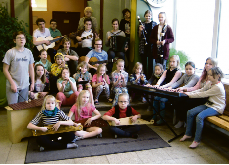 MUUSIKAARMASTAJAD: Kärla muusikakooli pillilaager.